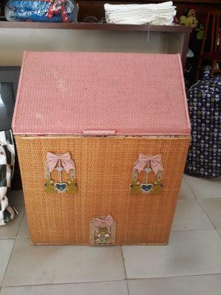 Baul pequeño casa de muñecas