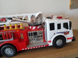 juguete de camión de bomberos