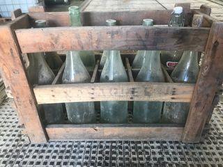 Caja botellas antigua