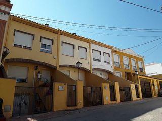 Casa adosada en alquiler en Segorbe