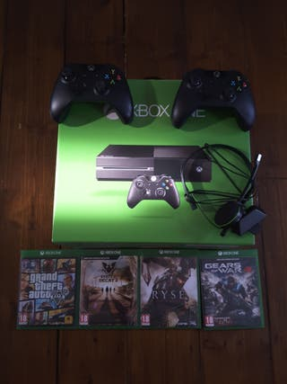 XBOX ONE + CONTROLLS + GAMES