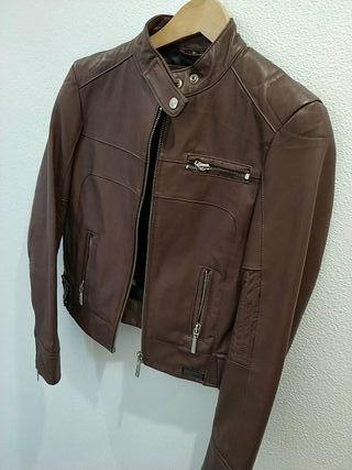 chaqueta piel marrón mustang