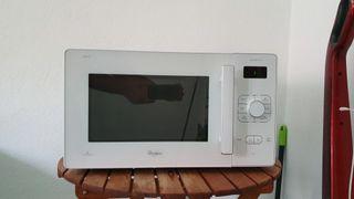 Microondas + Grill Whirlpool 25 litros Digital