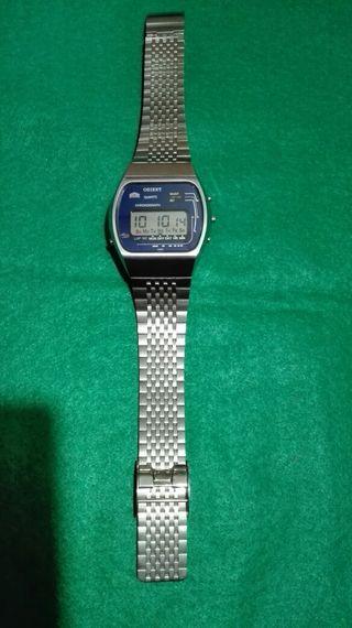 Reloj Orient quartz Lcd