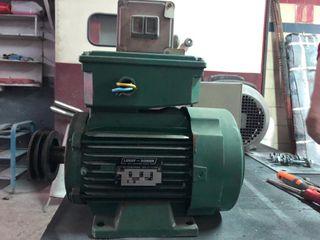 Motor monofásico 2,2 CV - caja arranque