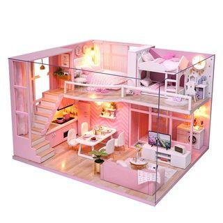 Hermosa y Moderna Casa de Muñecas