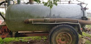 Cisterna purín.Capacidad 3.500 litros.
