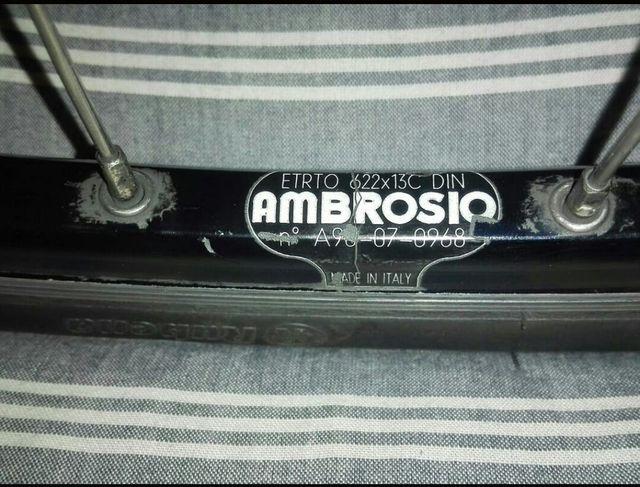 Llanta AMBROSIO. Delantera, Completa, 700