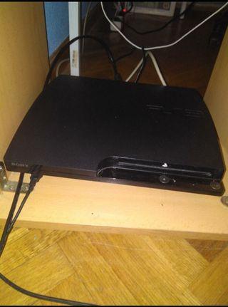 Consola Playstation 3 con Colección de 19 juegos!