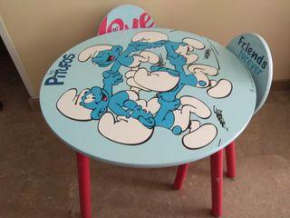 Mesa redonda infantil con dos sillas