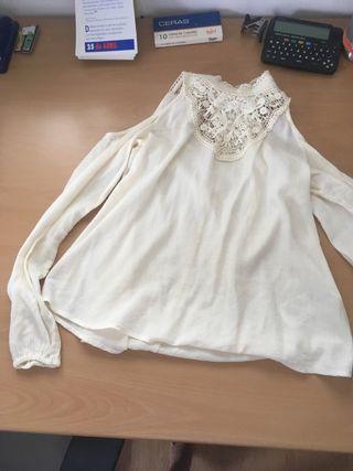 Blusa blanca con encaje de hollister