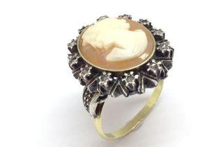 anillo antiguo con camafeo