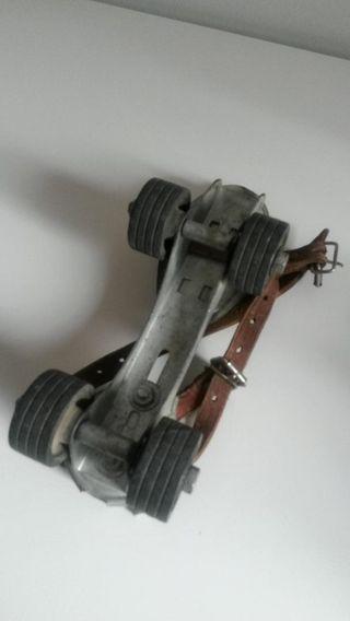 patines antiguos perfecto estado, marca IRUN