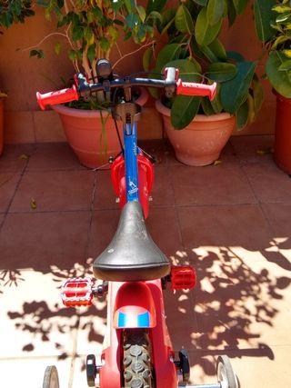 """Bicicleta 14"""" de Jr."""