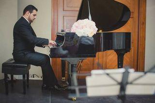CLASES DE CANTO VOCALISTA/CLASES DE PIANO