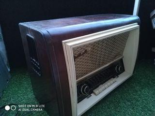 Radio Antiguo Telefunken Gran Vals 57