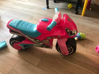 Moto juguete rosa