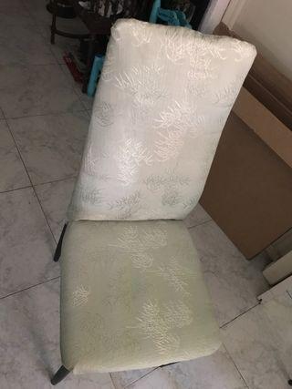 Sillas tapizadas alcohachadas