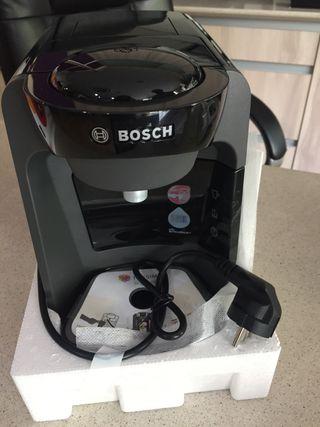 Cafetera Tassimo de Bosch con café incluido