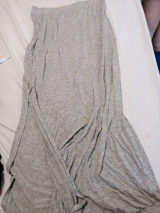 350e80927 Falda Zara gris de segunda mano en Madrid en WALLAPOP