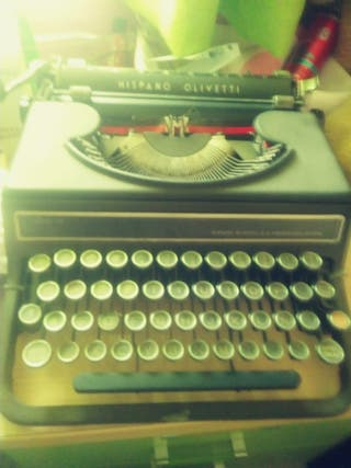 Máquina de escribir hispano oliveti