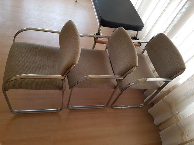 3 sillas oficina de segunda mano por 60 € en Bilbao en WALLAPOP