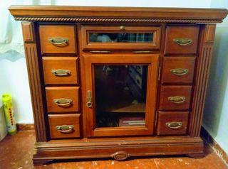 Mueble de televisión de madera
