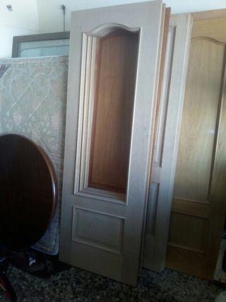 3 puertas mazizas habitación cocina