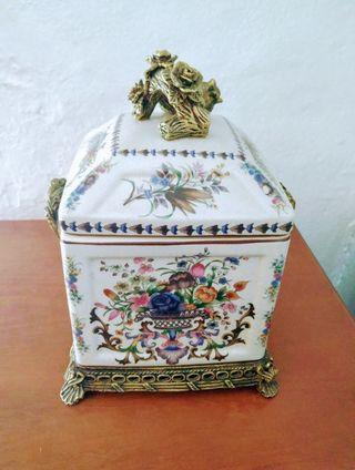 Cofre de cerámica