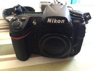 Cámara réflex Nikon profesional