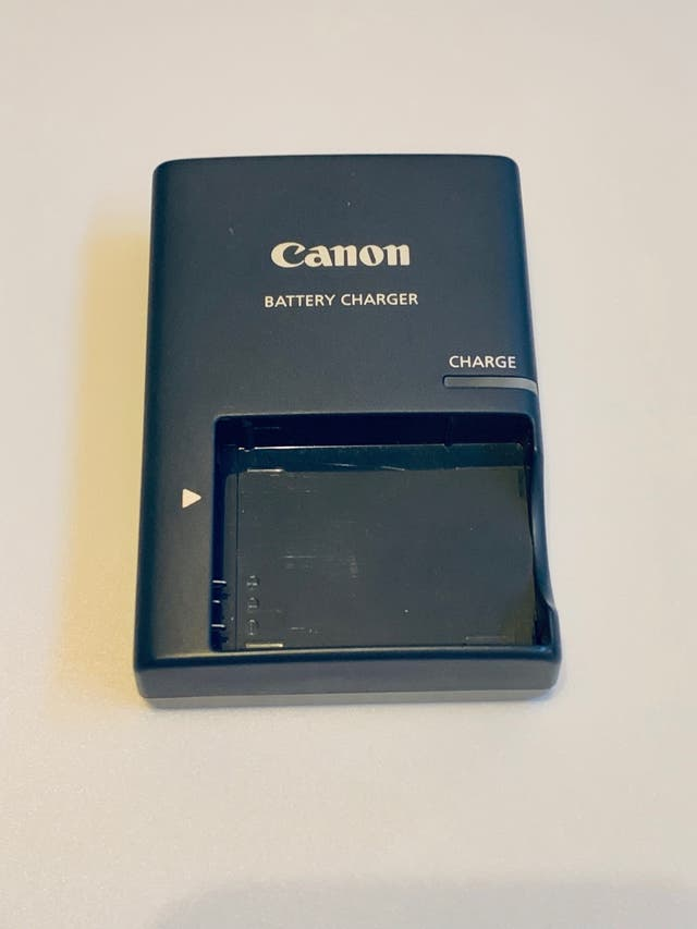 Canon CB-2LXE Battery Charger