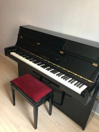 piano Yamaha pared C108