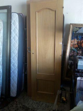 Puerta maziza habitación