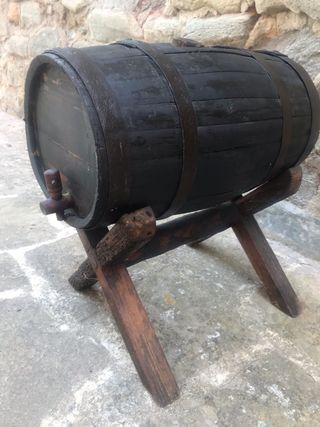 Barril con grifo madera antiguos