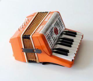 Antiguo acordeón juguete Capinera Antonelli, Italy