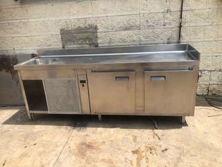Bajomostrador refrigerado con pica 2,5m