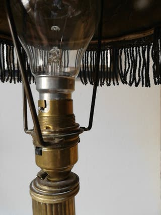 LAMPARA DE MESA BRONCE, BASE MADERA ART NOUVEAU