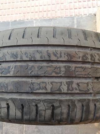 Neumático Continental 215/60 R17