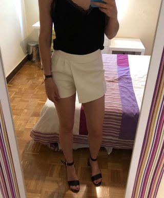 724e2a650 Falda pantalón blanca Zara de segunda mano por 5 € en Madrid en WALLAPOP