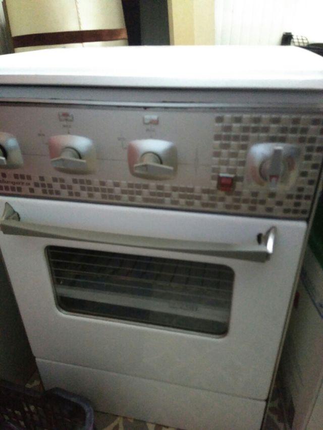 Cocina de Gas butano con horno