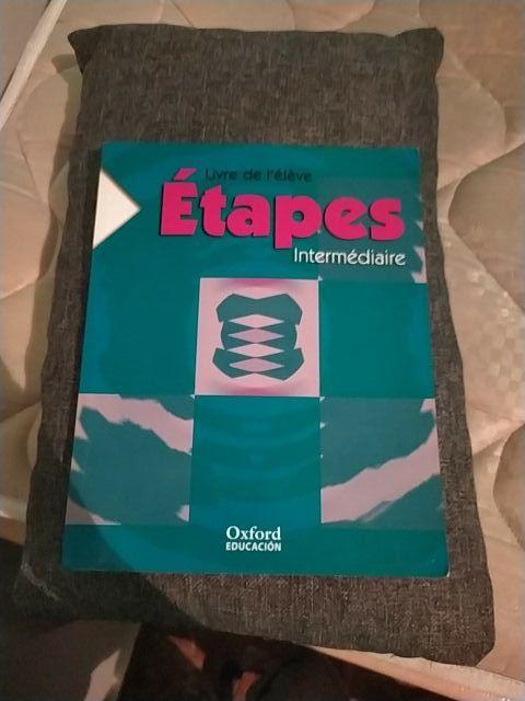Libro de texto frances Etapes intermediaire