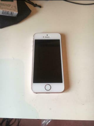 iPhone 5se fully working minor scratches