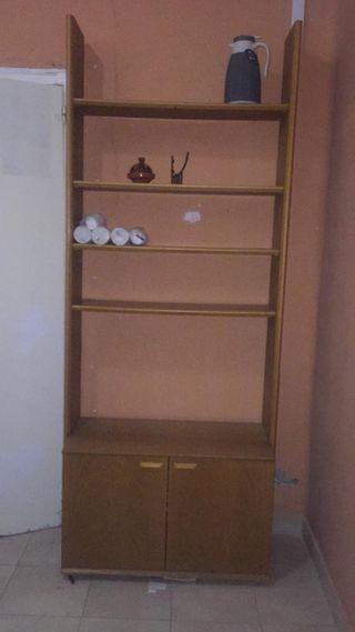 mueble de tres estanterías