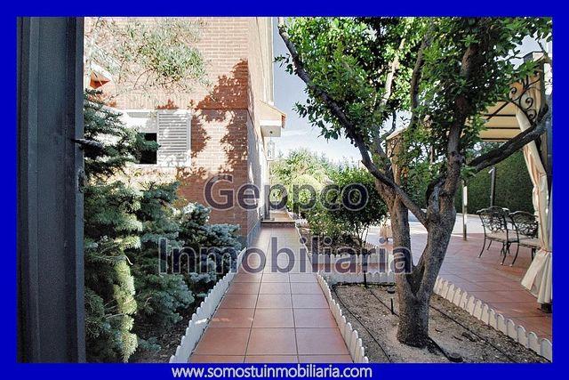 Chalet en venta en Pioz