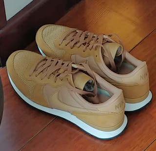 Zapatillas Nike Internationalist SIN ESTRENAR
