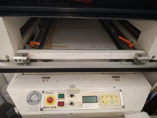 Se vende máquina de serigrafia semiautomática alem