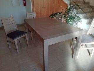 mesa extensible más 4 sillas tapizadas