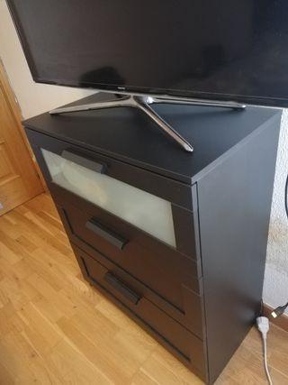 Cómoda negra Ikea