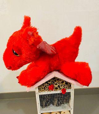 Peluche dragón rojo