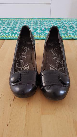 Zapatos salon de piel talla 38